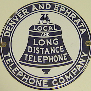 Denver and Ephrata Telephone Comany Hubcap - Telephones