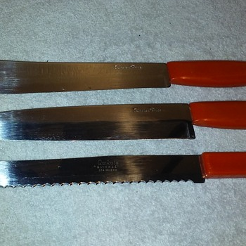 three old(-ish) red-handled kitchen knives - Kitchen