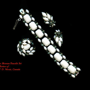 Signed Sherman Opague White Bracelet Set, Circa 1960 - Costume Jewelry