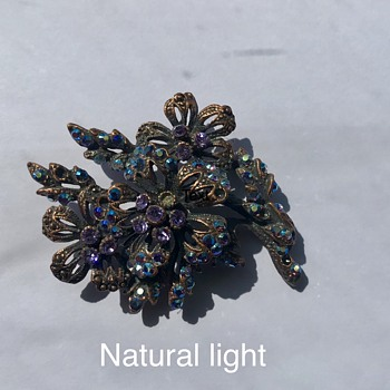 Unknown Vintage Brooch - Costume Jewelry