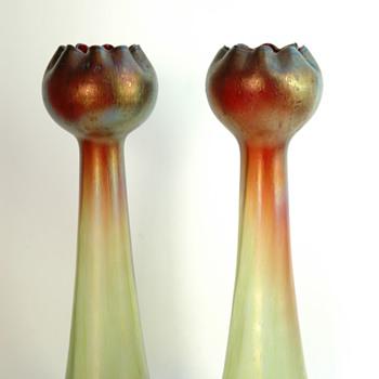 bohemian pair of rindskopf  pepita vase in iridescent  glass. - Art Nouveau