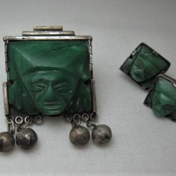 Mexico green stone Aztec pin - Fine Jewelry