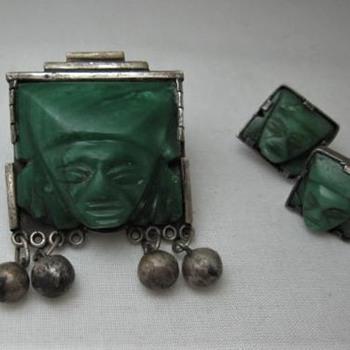 Mexico green stone Aztec pin - Fine Jewelry