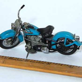 Tiny DieCast Harley Davidson Motorcycles - Model Cars