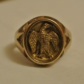 World War II Solid Gold Eagle Cast Cameo/Intaglio Ring?