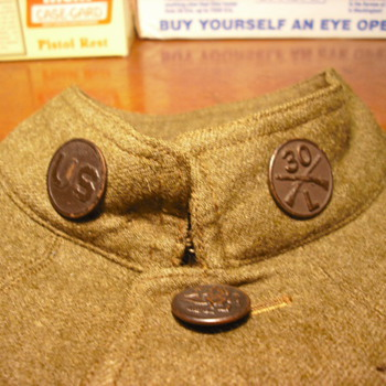 WWI Collar Disks and Regimental Affiliation - Military and Wartime