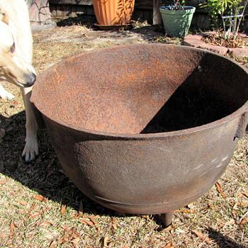 20 gallon cast iron kettle - Kitchen