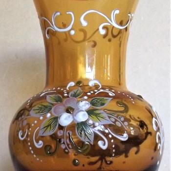 Is this an Empoli souvenir vase - Art Glass