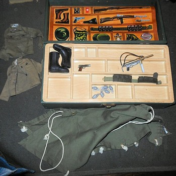 Still Yet Another GI Joe Footlocker with Accesories - Toys