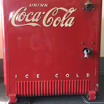 Coca Cola Ice Chest 1939 - Coca-Cola