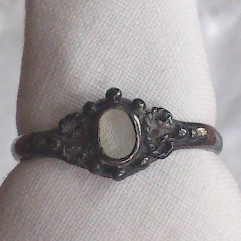 Old ring that my children dug up while playing  - Fine Jewelry