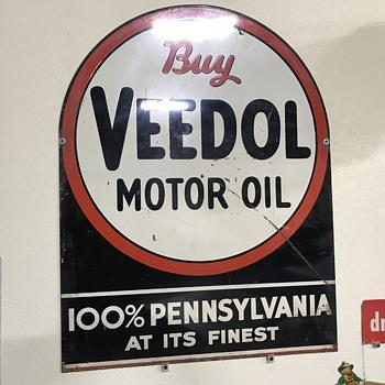 Veedol motor oil sign  - Petroliana