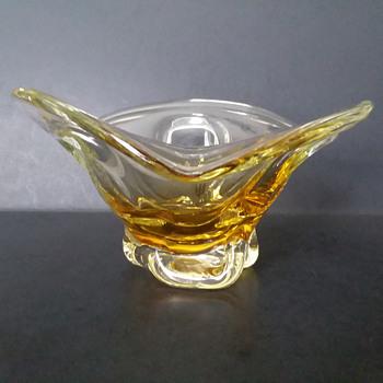Glass bowl - Art Glass