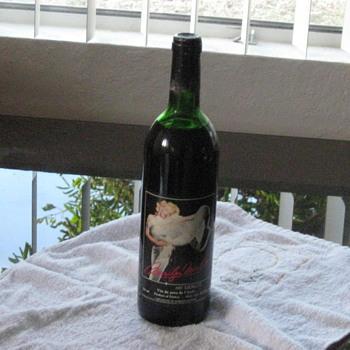 1987 Marilyn Monroe wine - Bottles
