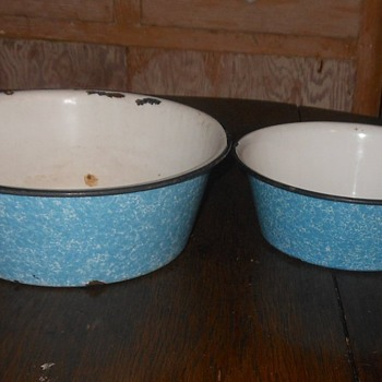 Small Graniteware Blue and White Swirl Bowl - Kitchen