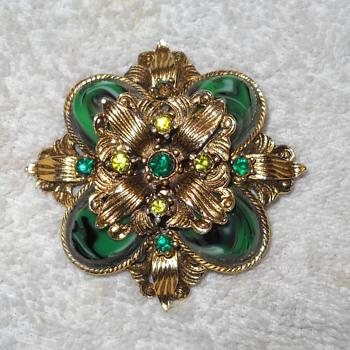 VINTAGE FAUX JADE 3D BROOCH - Costume Jewelry