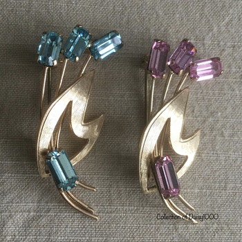 1950s Delicate Brooches - Costume Jewelry