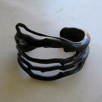 Black coral cuff bracelet - Fine Jewelry