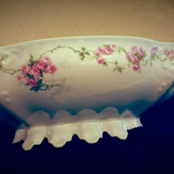 An Assortment of China Pieces... - China and Dinnerware