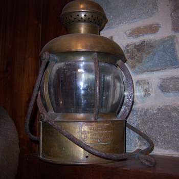 Brass shiplight marked Maison Chatel Jeune Faucon, Ruldell douane, 24 Paris. could anyone help with some info? - Lamps