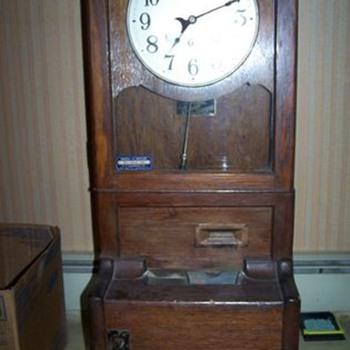 new item  cinncinnati time recorder - Clocks
