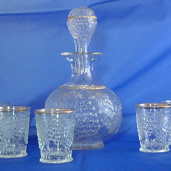 Northwood ? Grape & Cable Whiskey Set ~ Crystal with Gold Cable