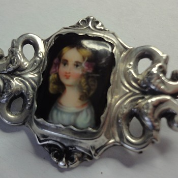 Georgean Enameled Portrait Enameled Silver brooch of little Girl - Fine Jewelry