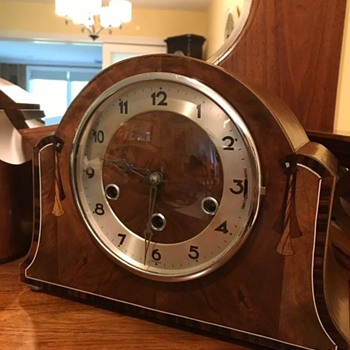Circa 1930 German mantle clock - Clocks