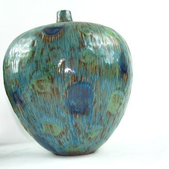 Large pottery vase - Pottery
