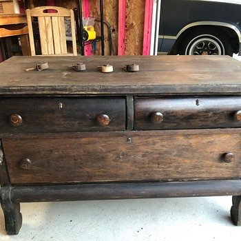 Dresser with swivel mirror and wooden casters - Furniture