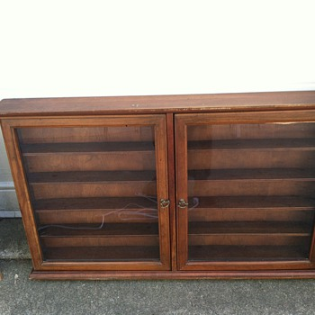 wall collectors case  - Furniture