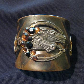 Copper cuff bangle - Costume Jewelry