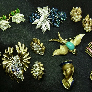 Crown Trifari Jewelry - Costume Jewelry