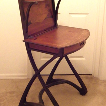 A special lady's writing desk - Furniture