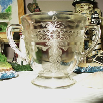 S Pattern Stippled Rose Band Clear Depression Glass - Glassware