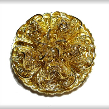 Scarf Brooch / Clip - Goldtone - Western Germany - Costume Jewelry