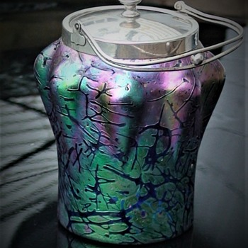 KRALIK BACILLUS Iridescent Glass Biscuit Barrel Featured On Antiques Roadshow September 29, 2019. Series 42, Lytham Hall 1. - Art Glass