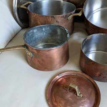 Just got Paul Revere cooking pots and they are in a miserable shape. - Kitchen