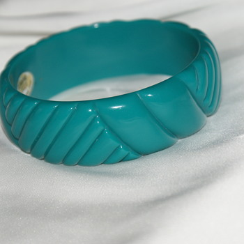 Vintage Lucite Bangle Made in Hong Kong - Costume Jewelry