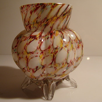 Franz Welz's six-lobed posy vase - Art Glass