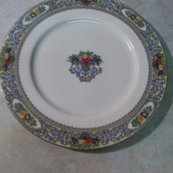 LENOX PLATE - China and Dinnerware