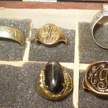 COLLECTION OF MEDIEVAL AND VINTAGE RINGS - Fine Jewelry