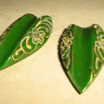 Carved green bakelite clips - Costume Jewelry
