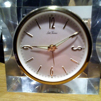 neat old Seth Thomas acrylic desk alarm clock - Clocks