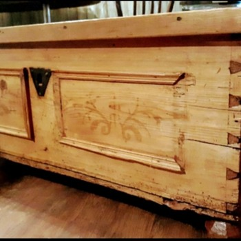 Very old primitive blanket chest w hand carved legs - Furniture