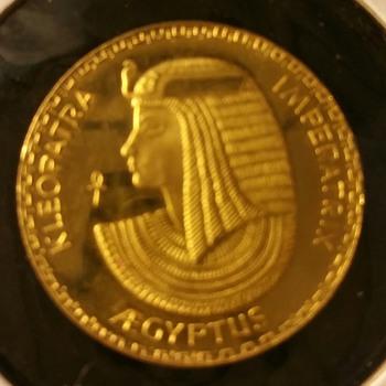 Kleopatra Imperatra Aegyptus Gold Medal - World Coins