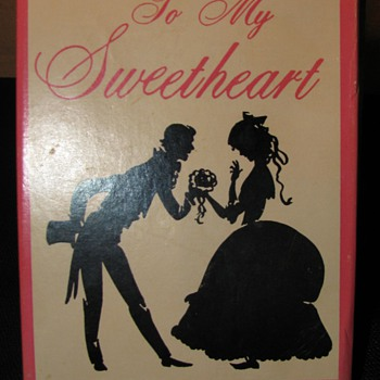 Fishlove and Company - Beating Heart Valentine Novelty - Toys