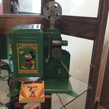 Mickey Mouse Keystone Projector