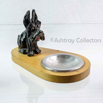 Scottie Dog Wood Ashtray - Tobacciana