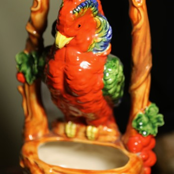 Beautiful Scarlet Macaw - made in Japan - Pottery